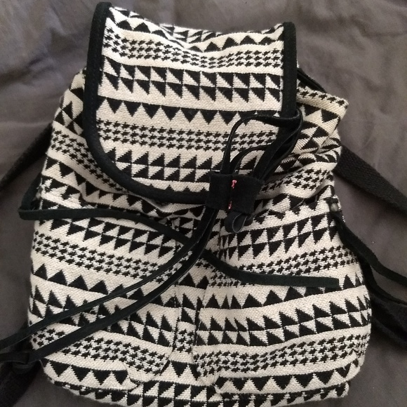American Eagle Outfitters Handbags - Hand bag